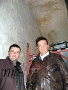 Giancarlo Pavat e Roberto Giacobbo di Voyager - RaiDue nel cunicolo del labirinto di Alatri