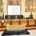 Dopo 20 anni il sarcofago romano rubato ad Aquino (FR) restituito alla città dalla Guardia di Finanza