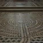 SIMBOLI DI UN ANTICO SAPERE. Il Labirinto di San Vitale a Ravenna e l'Abbazia di Pomposa. di Florin Malatesta