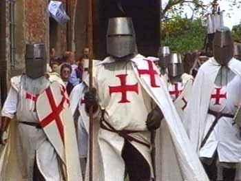 new_16 Templari in azione