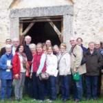 Piglio (FR) – Turisti americani, guidati da Giorgio Pacetti,  visitano la chiesetta di S Rocco e i suoi misteriosi affreschi.