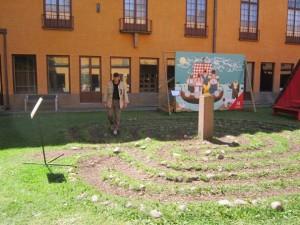 new_10 Pavat nel labirinto del cortile dell Historiska Museet