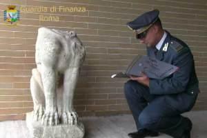 Sfinge etrusca recuperata dalla Gdf 18-9-14