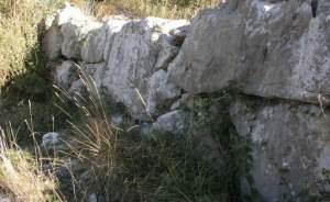 new_5 Mura ciclopiche su Monte S Casto-foto Giuseppe Rinna