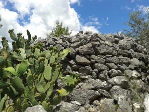 13 Enorme cairn a Pelonga