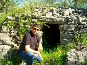 Pavat davanti la Struttura a Pelonga - Alatri