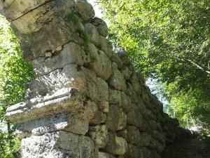 Arco di Trevi - Pietre Ciclopiche
