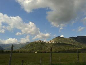 Maenza vista dalla vallata del fiume Amaseno