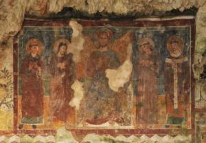 Affresco con Cristo Benedicente nel Santuario del Crocifisso a Bassiano LT - foto F. Consolandi