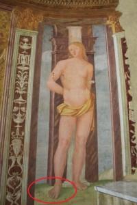 S. Sebastiano con il piede destro con sei dita nella chiesa dei SS. Sebastiano e Rocco ad Acuto FR - foto G. Pavat