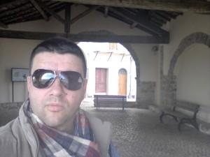 Giancarlo Pavat nella Loggia dei Mercanti a Maenza – foto Sonia Palombo