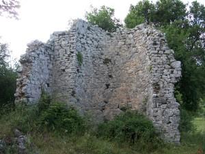 Ruderi della chiesa e abbazia di San Salvatore di Mileto sui Monti Ausoni nel territorio comunale di Roccasecca dei Volsci – LT