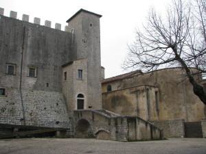 1 piazza della Portella e Castello dei Conti di Ceccano
