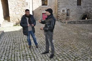 18 Pavat e Forgione durante le ripres dentro il castell