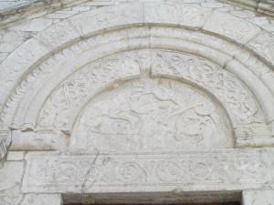 22 lunetta ingresso chiesa