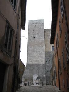 34 la stradina che da piazza Leone XIII condue a piazza Duomo