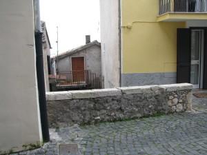 45 Via Battisti - Muretto con 2 TC