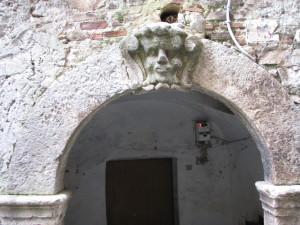 62 via Nazario Sauro - Mascherone apotropaico