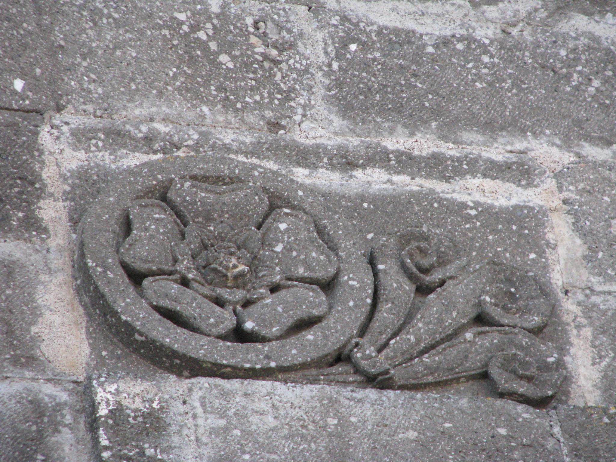 12 Patrica - madonna della Pace - decorazioni facciata