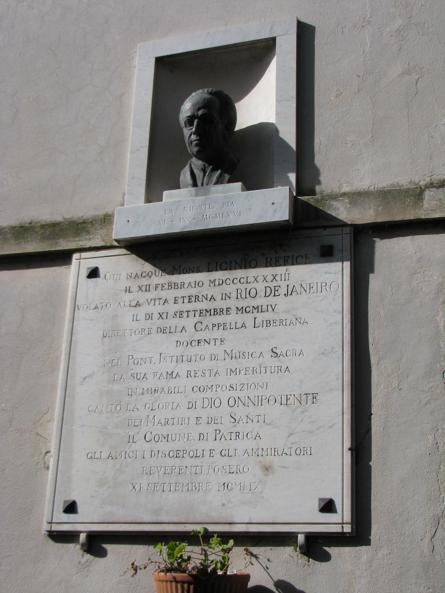15 Patrica - monumento a Licino Refice nell'omonima via