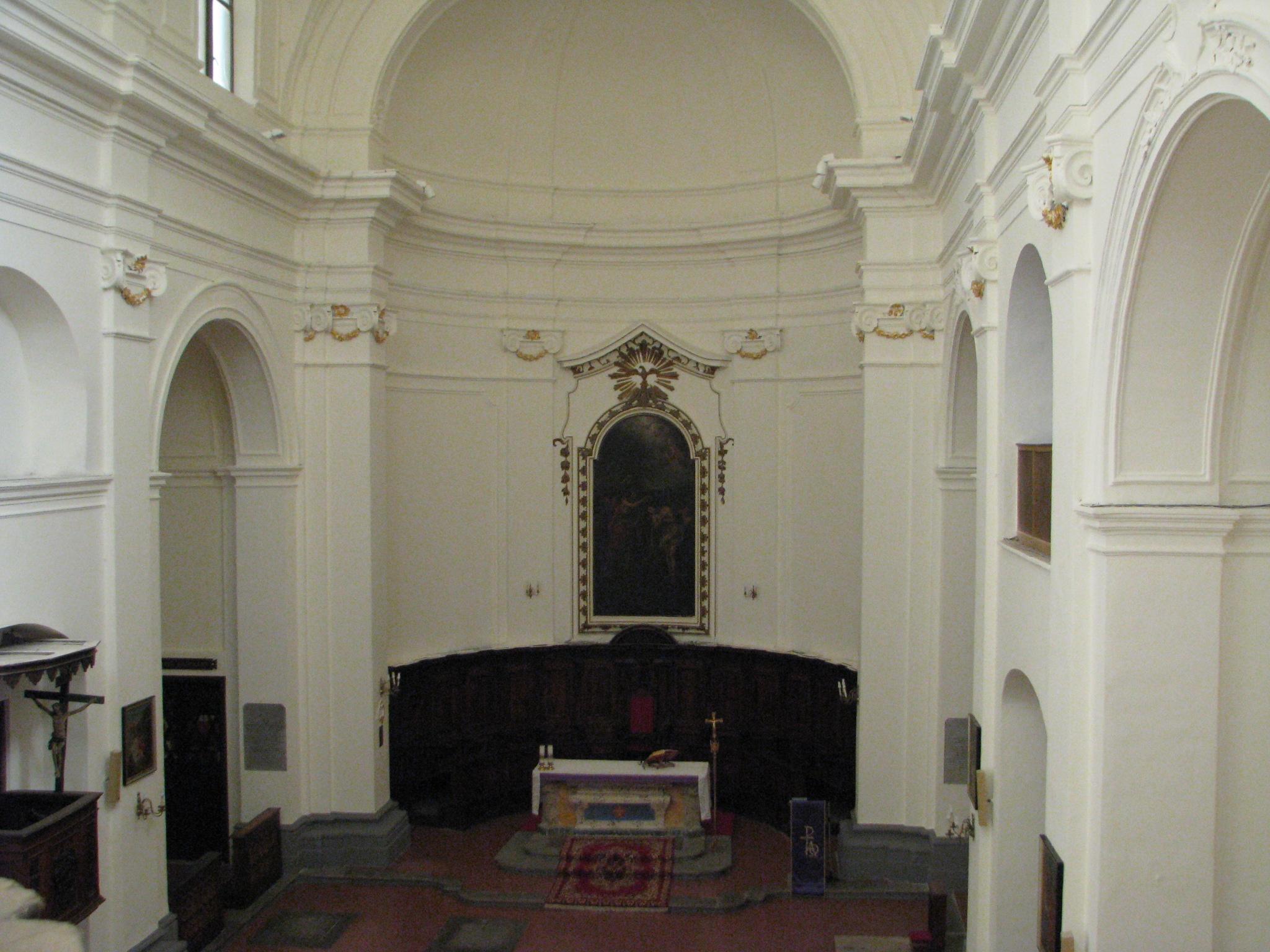 Interno navata chiesa S Giovanni