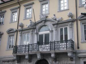 13 Casa Romano piazza della Borsa