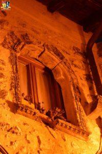 Finestra con rosone gotico del XIII secolo