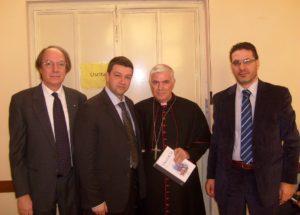 L'Aquila - da sx prof. Giuseppe Fort - G Pavat - il vescovo mons D'Ercole ed il dott Taverna