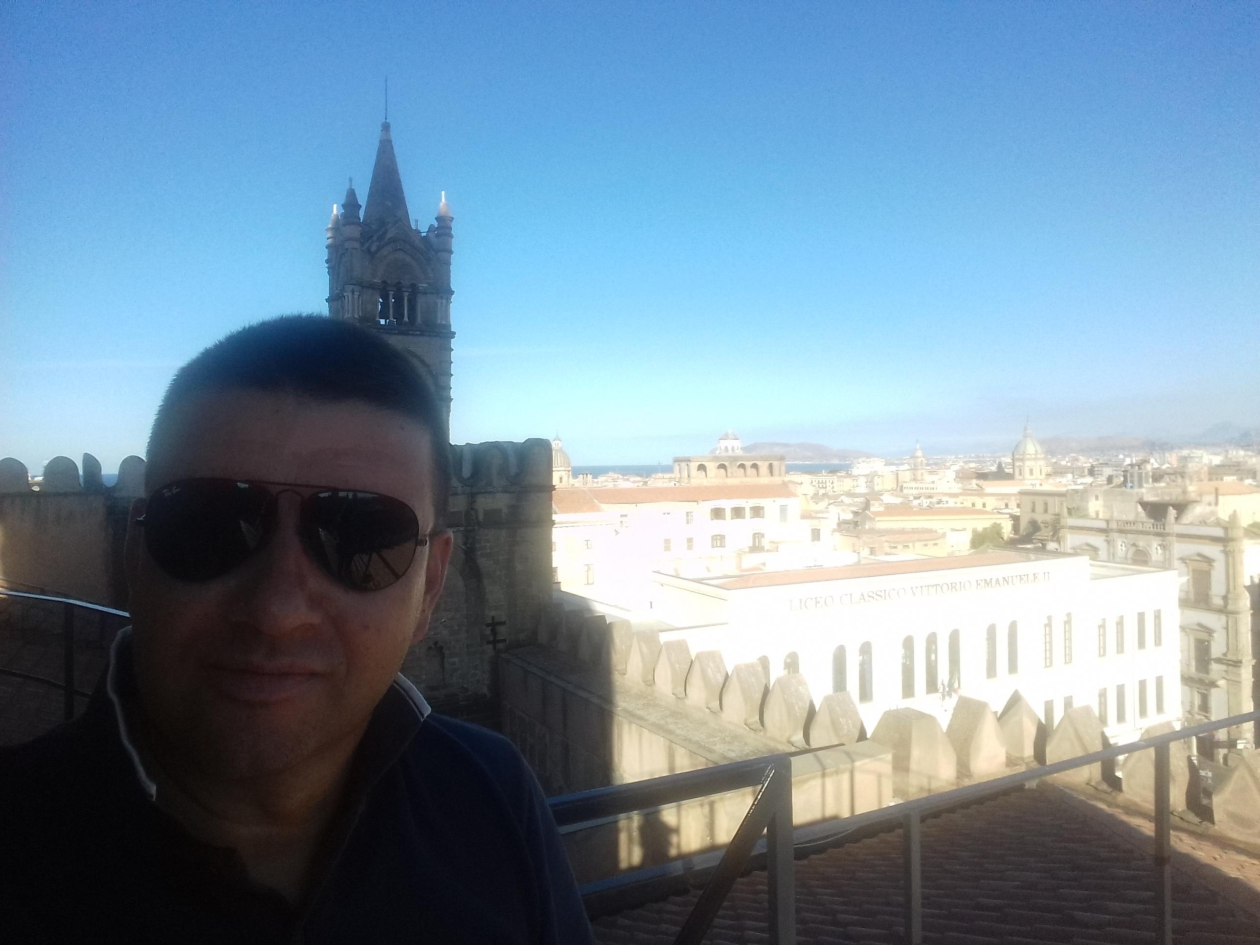 Omaggio alla sicilia i segreti della trinacria di for Nuovo parlamento siciliano