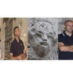 Dino COPPOLA e Giancarlo PAVAT analizzano il mascherone in pietra di PORTA DI TOCCO a Sonnino (LT).