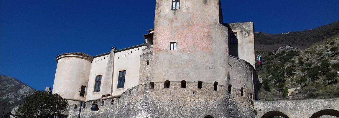 Molise segreto: LE MERAVIGLIE DI CASTELLO PANDONE A VENAFRO di Giancarlo Pavat