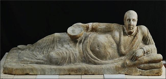 Obesus Etruscus! Breve e gustosissimo viaggio nel passato, tra Maionese,Besciamelle, Sandwich e altre piacevolezze… di Roberto Volterri.